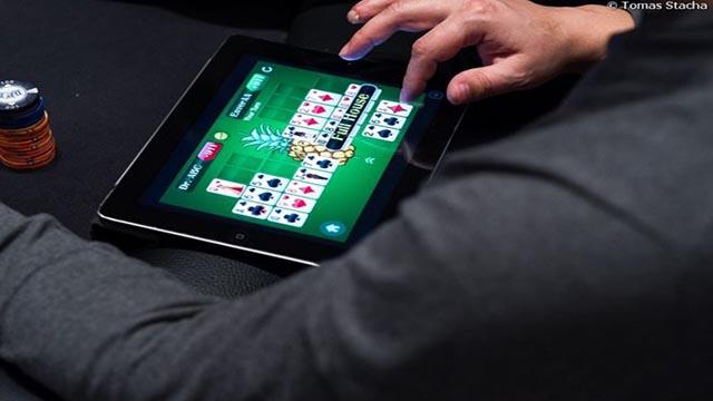 7 Cara Curang Agar Menang Ketika Main Poker